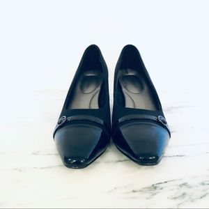 NWOT Kelly & Katie Black Patent Leather Toed Heels
